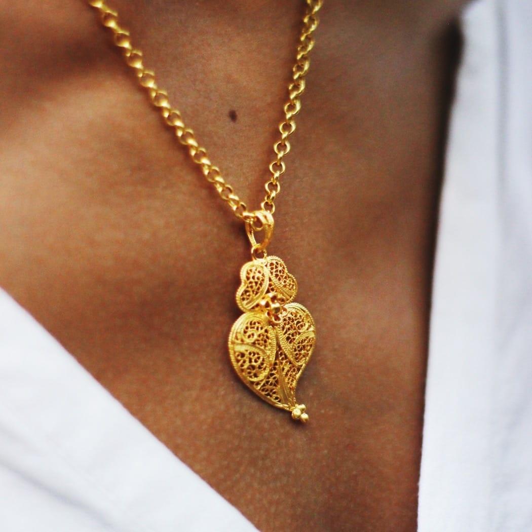 Colar Coração de Viana 4,0 cm em Prata Dourada