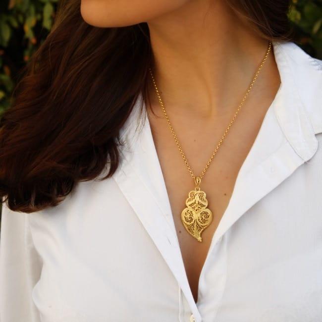 Colar Coração de Viana 4,5 cm em Prata Dourada