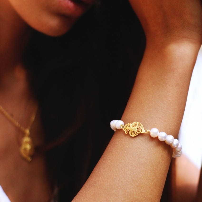 Pulseira Coração de Viana em Prata Dourada e Pérolas