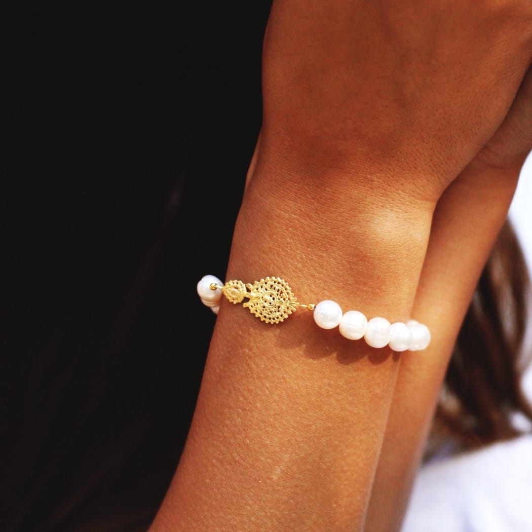 Bracelet Queen Earring in Gold Plated Silver and Pearls