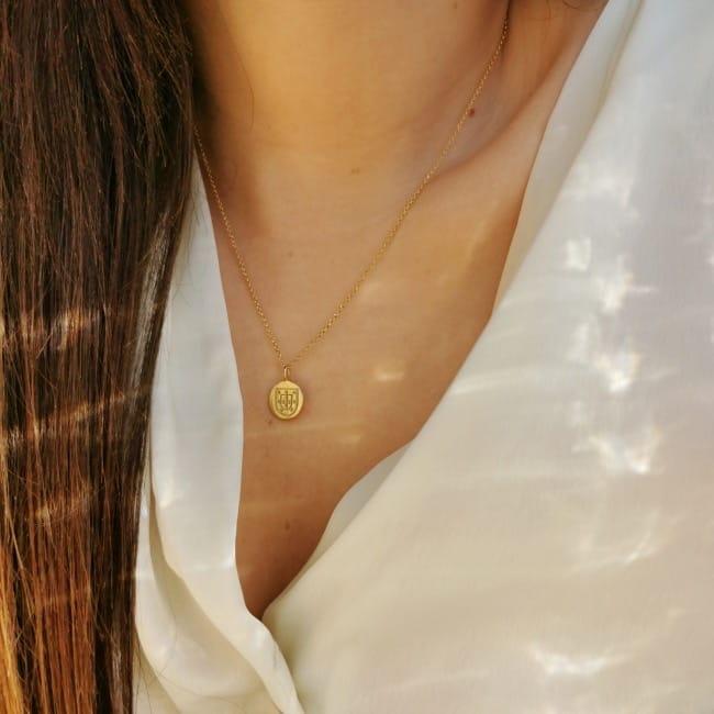 Necklace Escudo in Silver