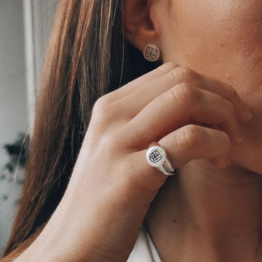Ring Escudo in Silver
