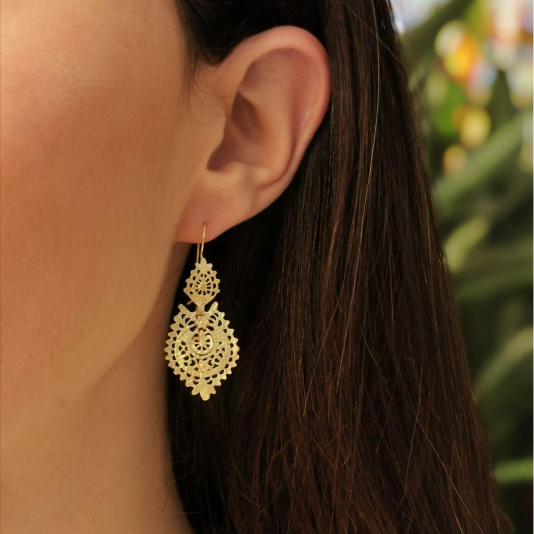 Queen Earrings in 9Kt Gold