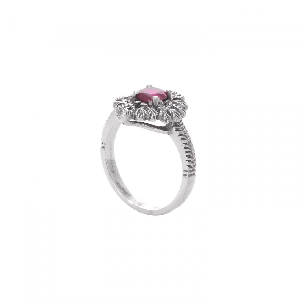 Ring Queen Ruby in Silver