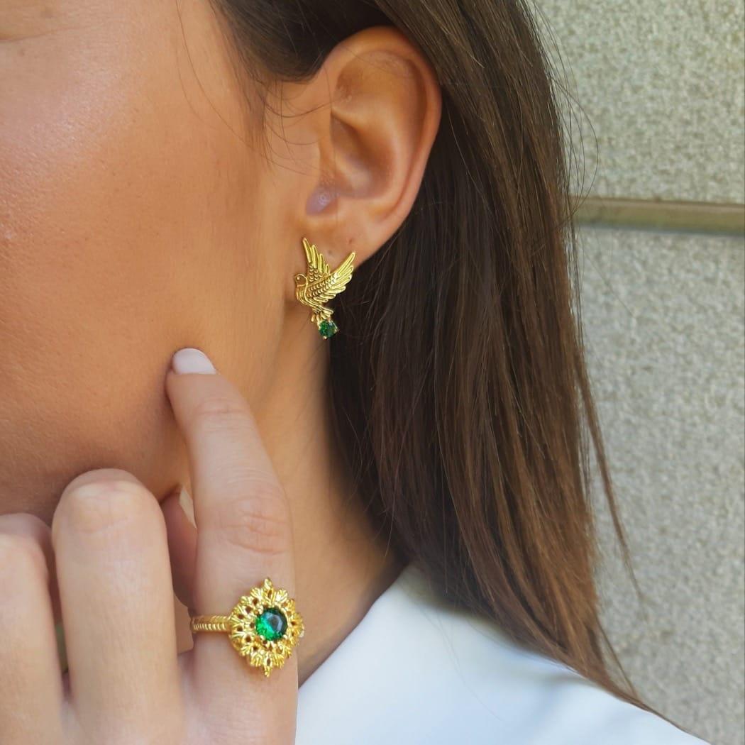 Brincos Pomba Esmeralda em Prata Dourada