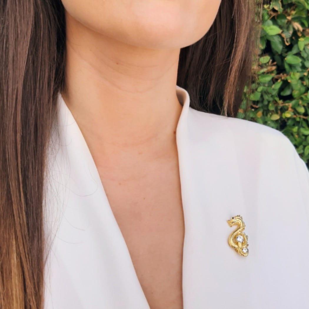 Alfinete Dragão Zircónia em Prata dourada