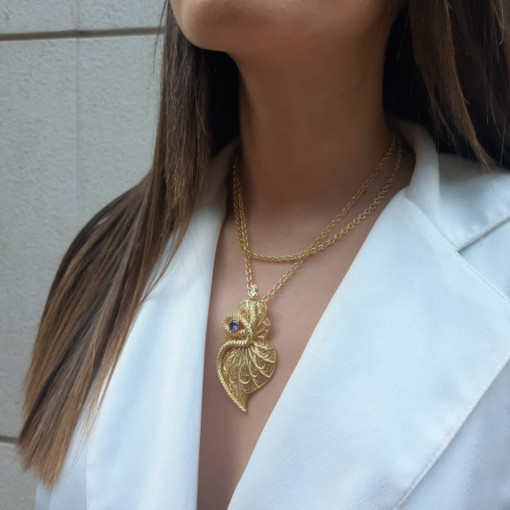 Colar Coração Cobra Ametista em Prata dourada
