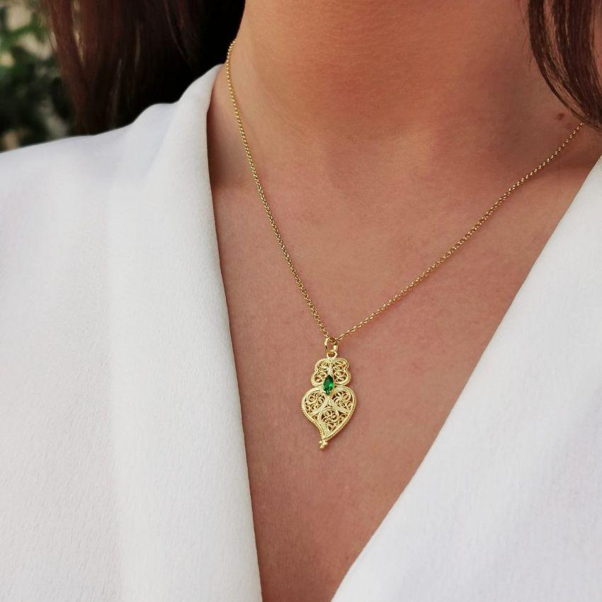 Colar Coração de Viana Emerald em Prata Dourada