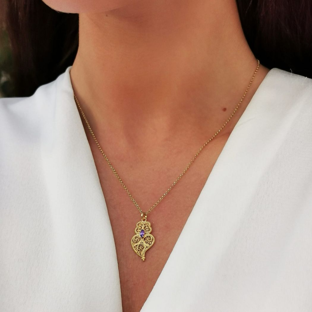 Necklace Heart of Viana Purple in Gold Plated Silver