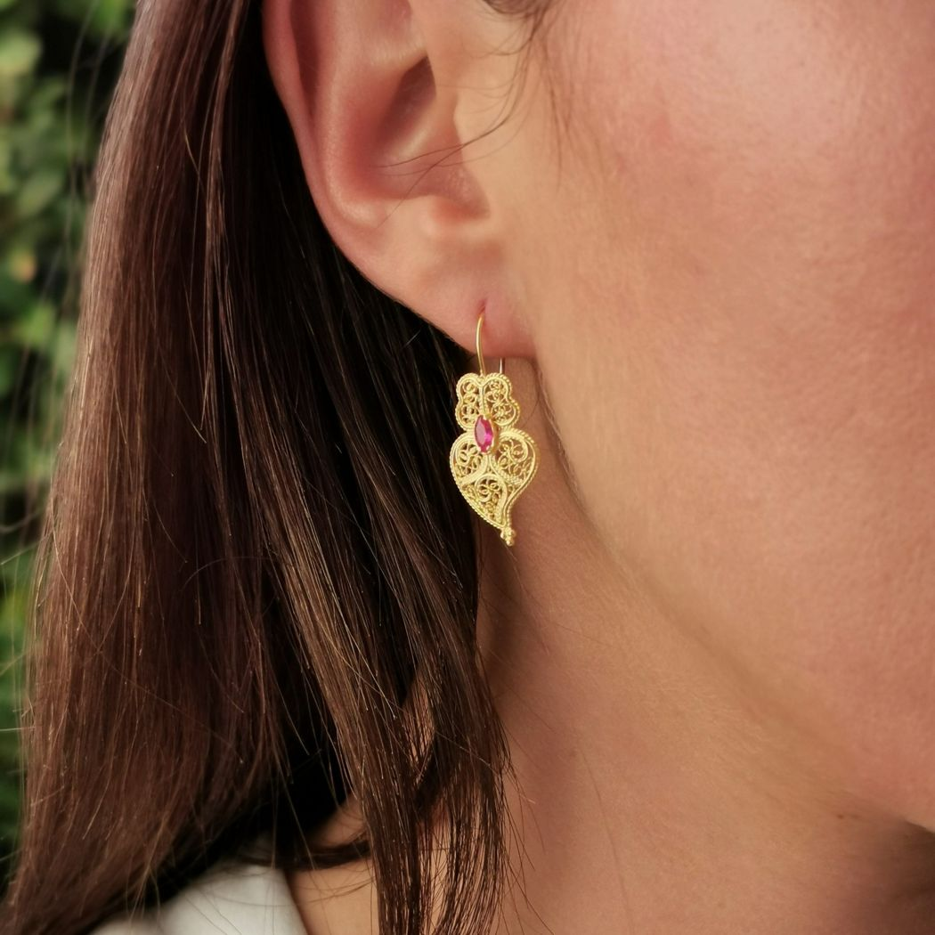 Set Earrings and Necklace Heart of Viana Ruby in Gold Plated Silver